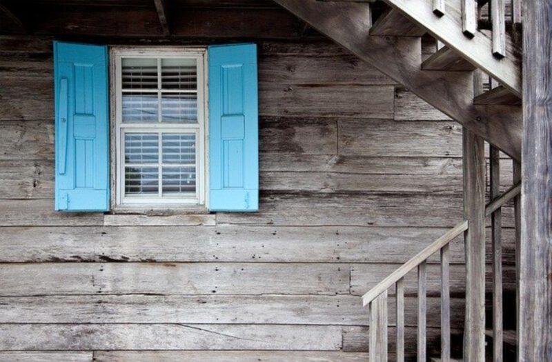 Budowa domu z drewna – o czym pamiętać?